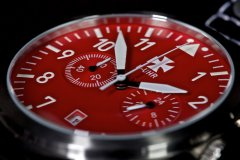 B-UHR-LUFTWAFFE-flieger-chronograph-RED-limited-edition-01.jpg