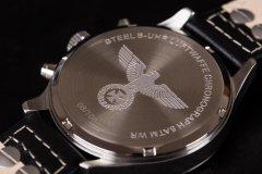 B-UHR-LUFTWAFFE-flieger-chronograph-2.jpg
